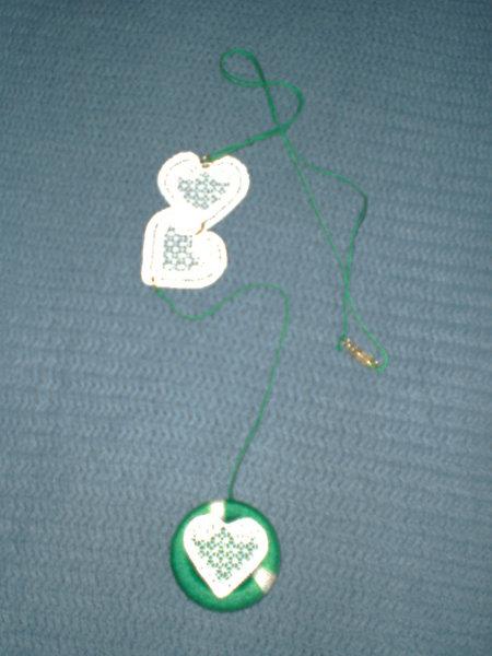 collana cotone verde, bianco e pizzo bianco (n°610)