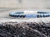 Bracciale artigianale uomo di pietre di ematite e zaffiri blu. Regali per lui. Regali di anniversario.
