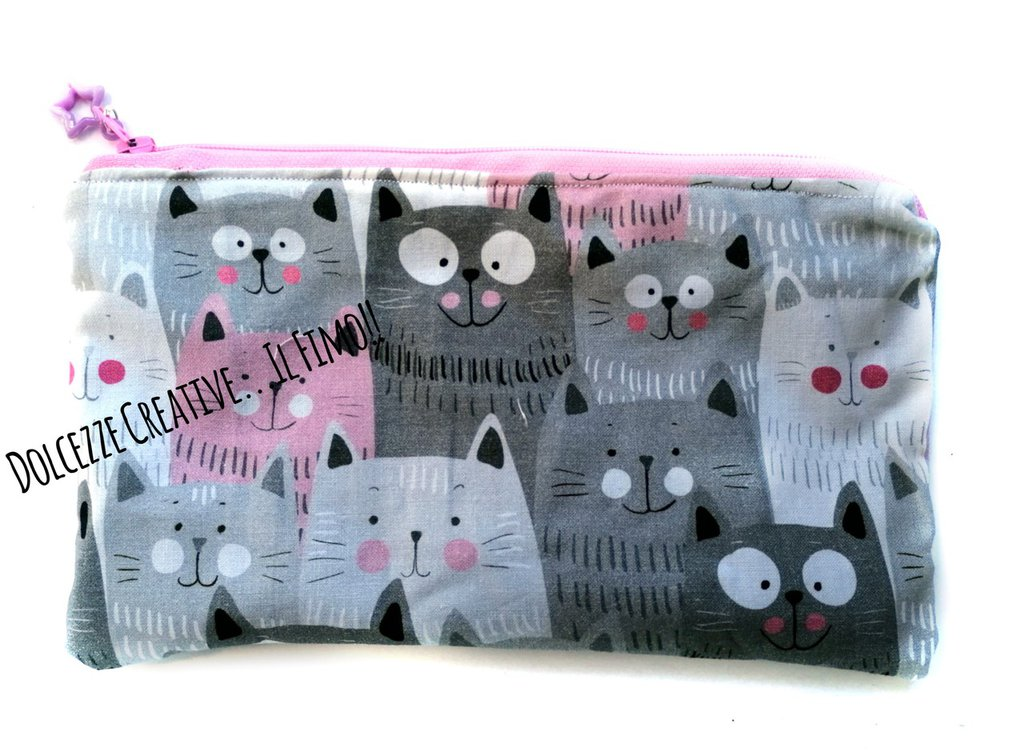 Pochette Borsello -wet bag -chiusura zip -gatti kawaii gattara - idrorepellente Portatrucchi, borsello borsa,Assorbenti lavabili