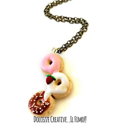 Collana donut - ciambelle alle fragole, cioccolato, glassa handmade - miniature - idea regalo kawaii