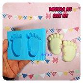 Stampo piedini bebè misura n.5 adatti per realizzare creazioni con immagini incollate