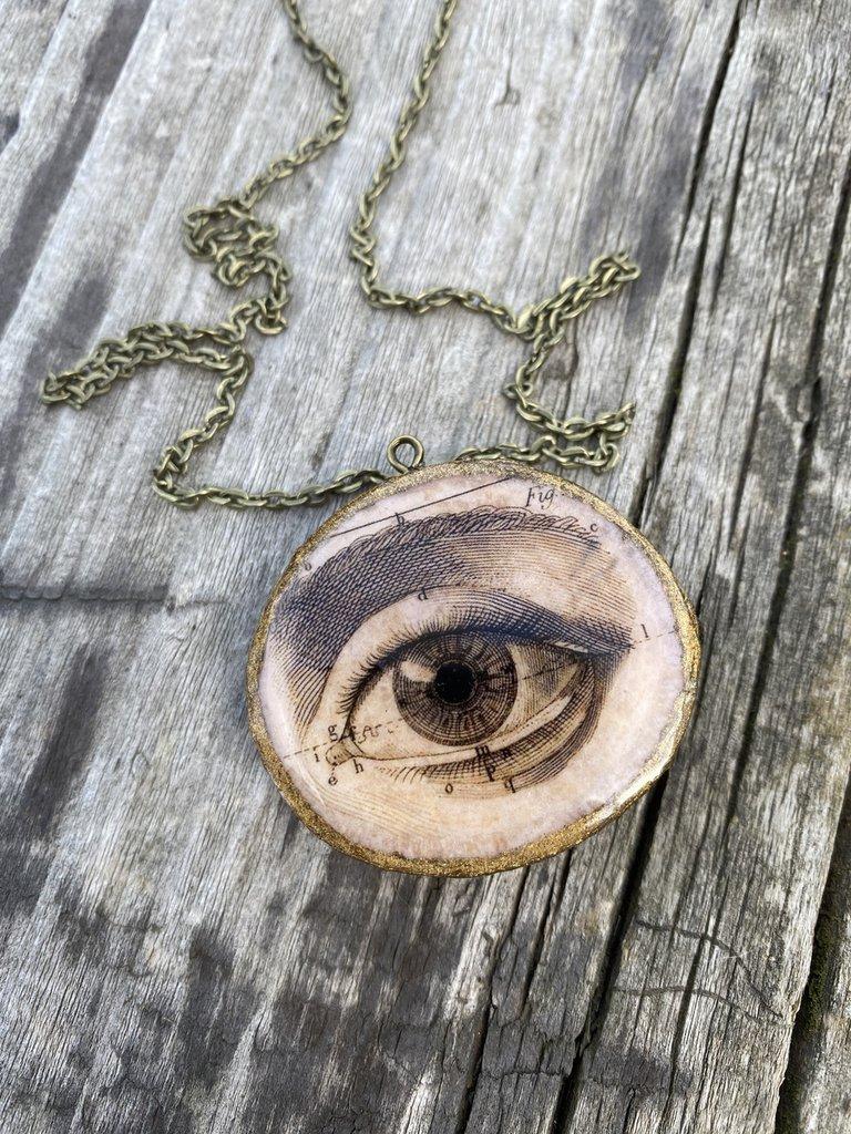 Pendente in legno con resina colata a mano, occhio vintage