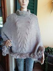 Mantella color avana con bordo pelliccia