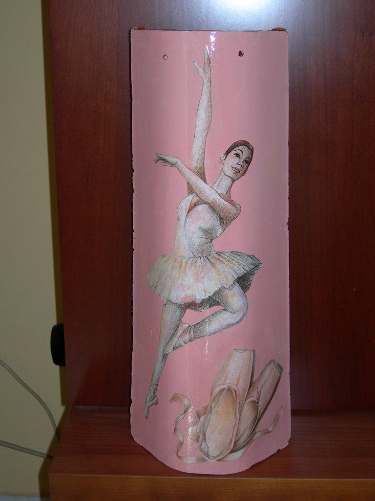 Ballerina su tegola