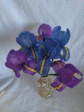 Iris fiori con perline
