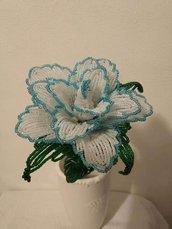 Rosa fiore di perline