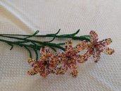 Giglio colorato fiore di perline