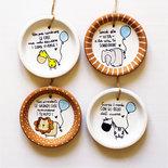 Bomboniere battesimo originali frasi illustrazione animali personalizzate piattino cotto da appendere comunione cresima