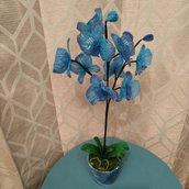 Orchidea blu realizzata con perline