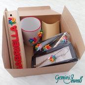 """""""Gift Box"""" con 6 oggetti decorati a mano in fimo"""