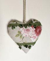 Cuore imbottito da appendere, cuore con rose