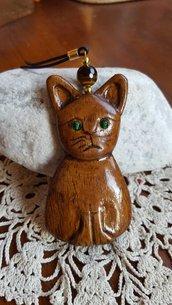 ciondolo gatto in legno lavorato a mano