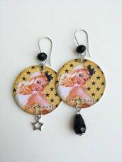 Stella orecchini di carta con ciondolo a forma di cerchio, perla a forma di stelle e volto di donna