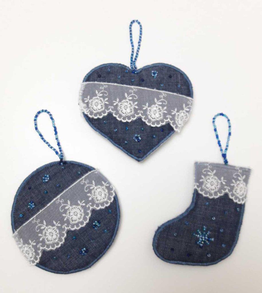 Addobbi Natalizi Jeans.3 Addobbi Natale In Tela Jeans Blu Con Perline E Pizzo Valencienne Su Misshobby