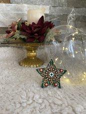 Decorazione natalizia a forma di stella con mandala