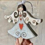 Angioletto in legno massello dipinto a mano