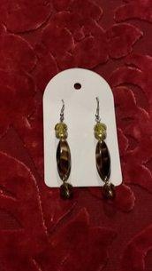 orecchini marrone e gialli