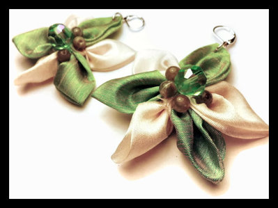 orecchini in stoffa verde e bianco