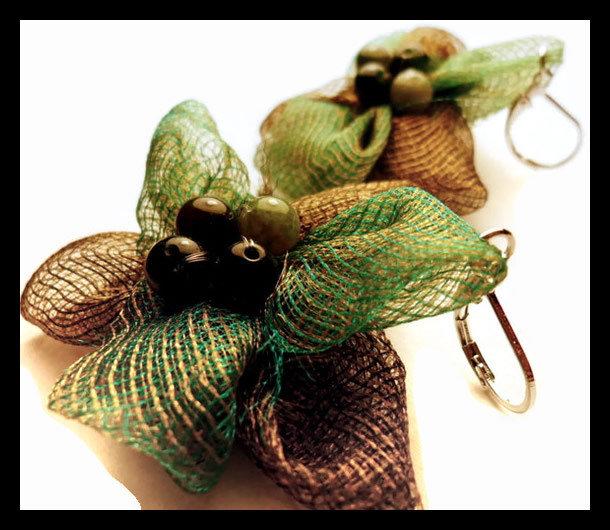 orecchini in stoffa verde e marrone