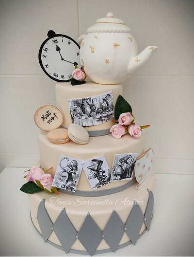 "Torta scenografica tema ""tea time"""