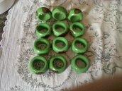 Portatovaglioli verdi con farfalle