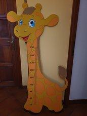Giraffa metro su legno