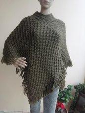 Poncho in lana verde bosco