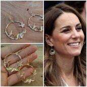 Orecchini cerchio fiori foglie kate Middleton principessa duchessa oro regalo