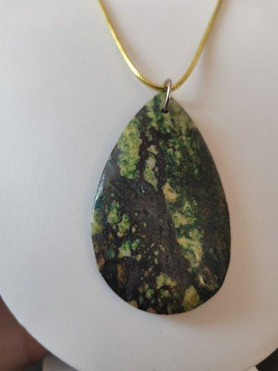 Pendente pietra goccia tremolite