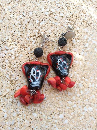 Orecchini Siciliani Orecchini in finta ceramica Orecchini stile siciliano nero e rosso giara siciliana  Pietra lavica e corallo