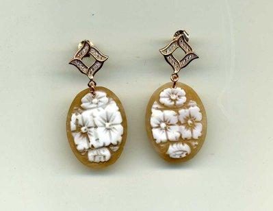 ORECCHINI pendenti in argento placcato oro rosa e cammeo floreale