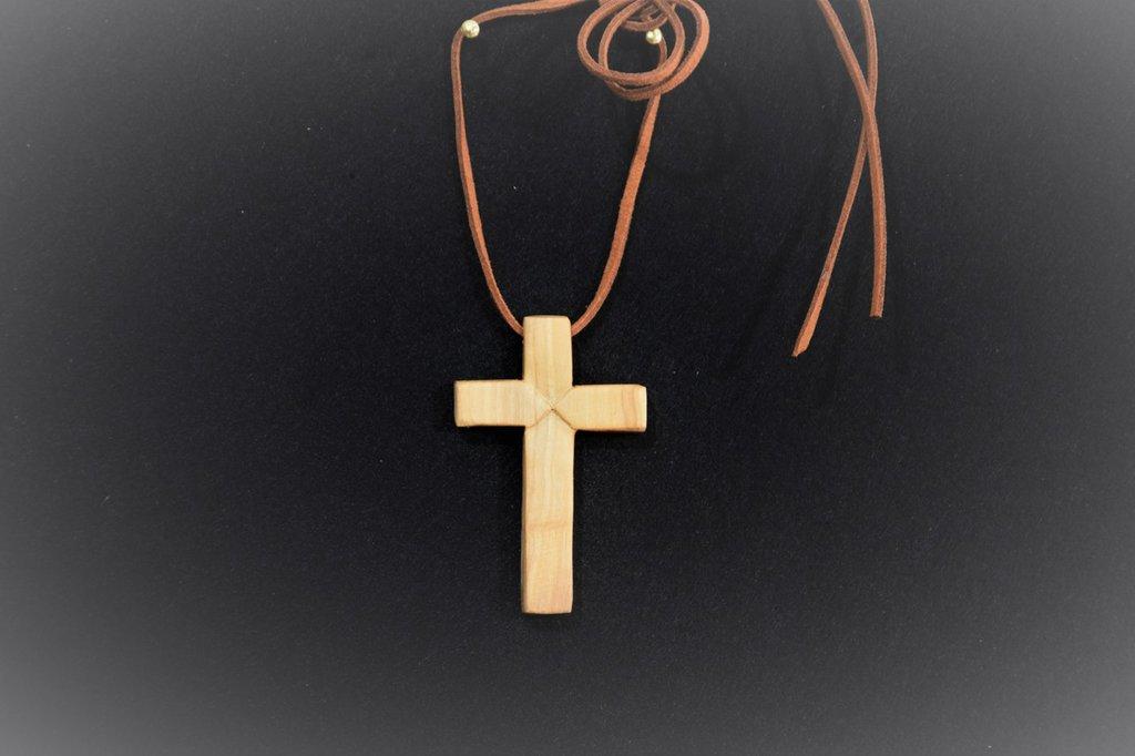 croce per collana in legno d'ulivo (cod.014)