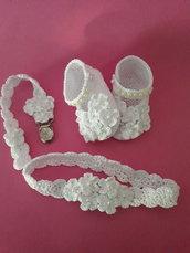 Completo bianco baby bimba battesimo scarpine fascetta e portaciuccio.