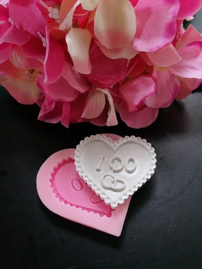 Stampo cuore ricamato con fedi e scritta IDO (LO VOGLIO) in gomma siliconica professionale