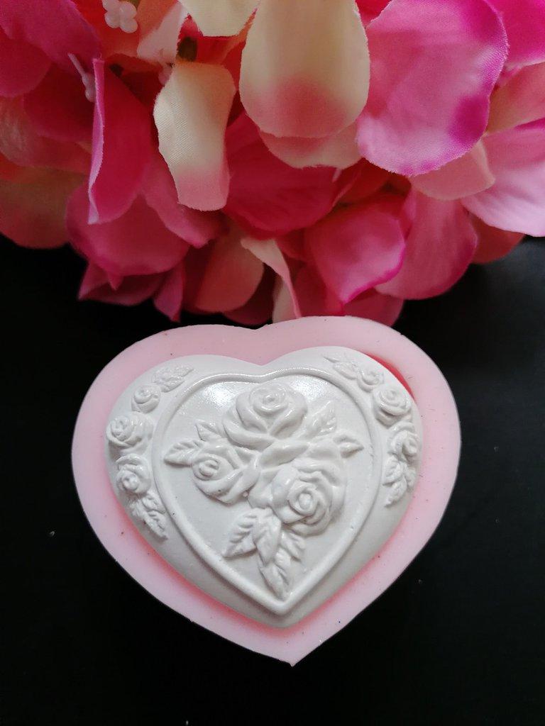 Stampo cuore con rose in gomma siliconica professionale