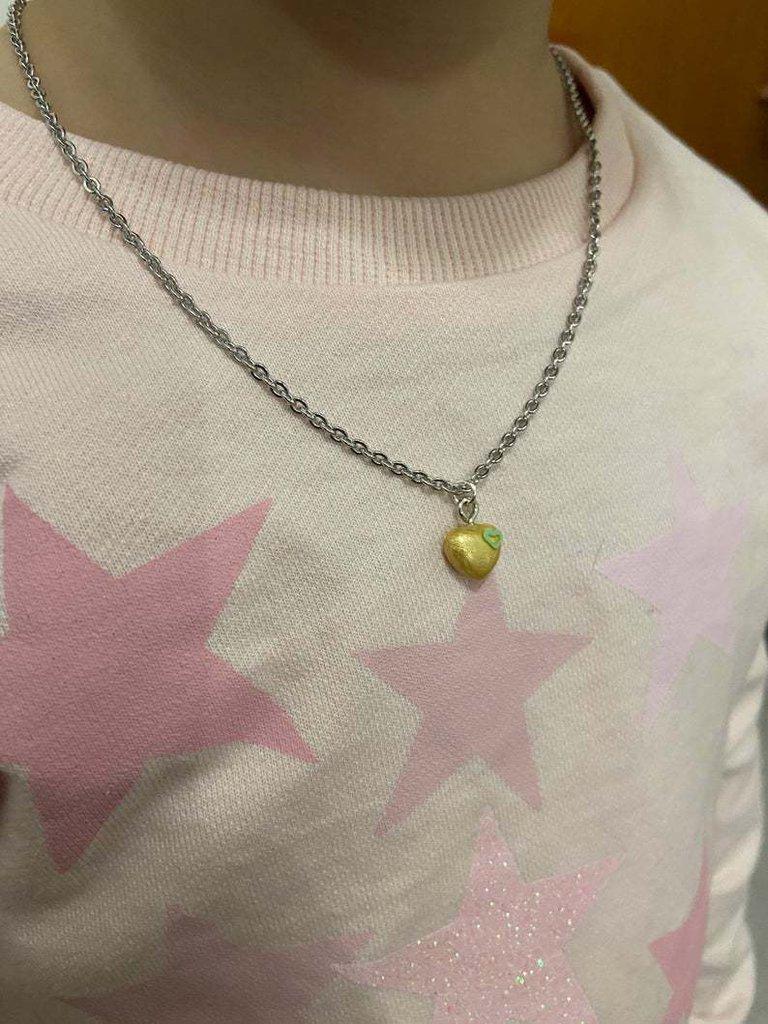 collana con ciondolo cuore dorato con piccolo strass fatto a mano