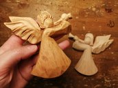Angioletto in legno di cirmolo, scolpito a mano, decorazione Natalizia