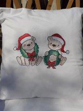 Cuscino natalizio ricamato