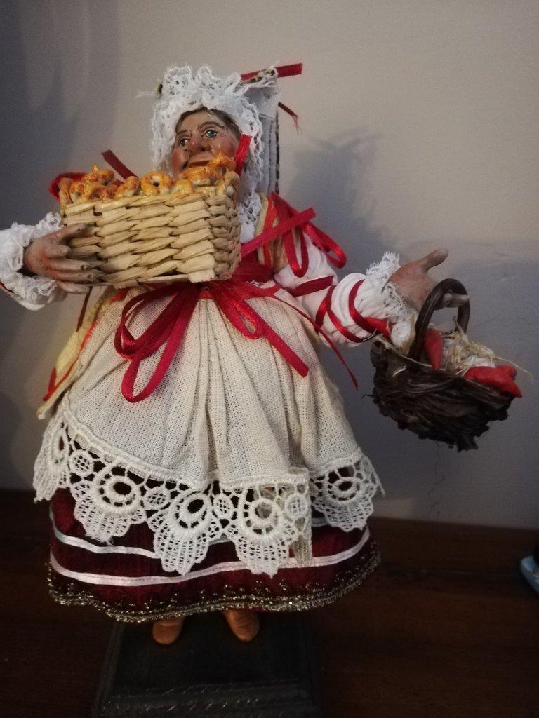 Statuetta Bella Mbriana