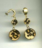 ORECCHINI pendenti dorati e leopardati