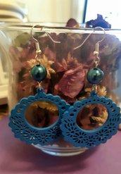 Orecchini pendenti handmade con filigrana in legno blu
