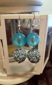 Orecchini handmade con perle strass azzurri