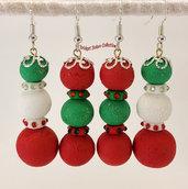 Orecchini natalizi con monachella in paste polimeriche - colorata