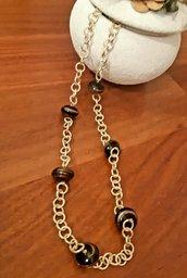 Collana handmade in alluminio rodiato con perle di vetro