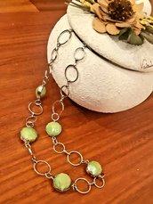 Collana handmade argentata con perle verdi