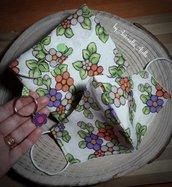 Mascherine e custodia in tessuto stampa fiori vintage