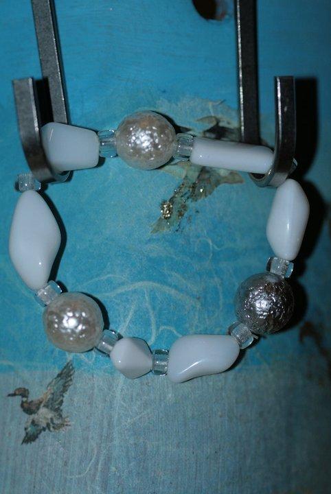 collana + bracciale bianco e grigio