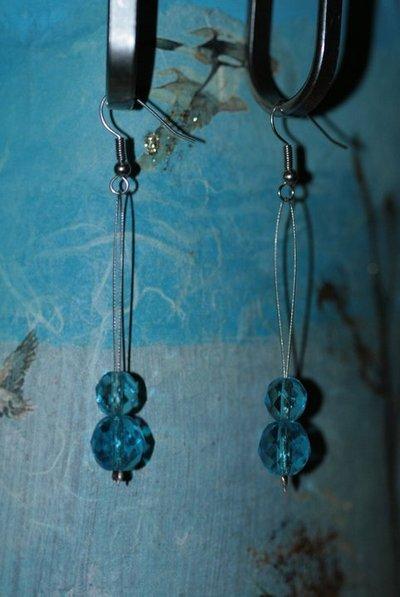 orecchini mezzo cristallo azzurri