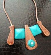 Collana girocollo in legno e turchese