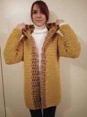 Cardigan donna dorato con cappuccio